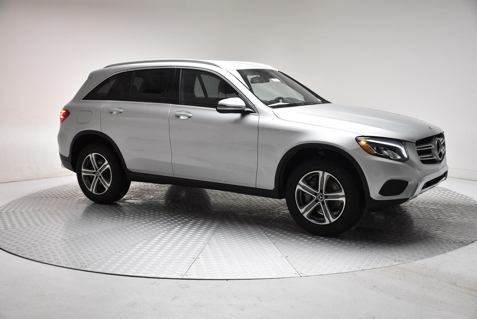 New 2018 mercedes benz glc glc 300 suv in farmington for Mercedes benz glc 300 accessories