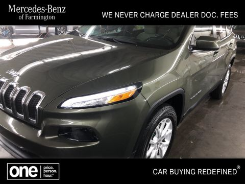 Pre-Owned 2018 Jeep Cherokee Latitude 4WD